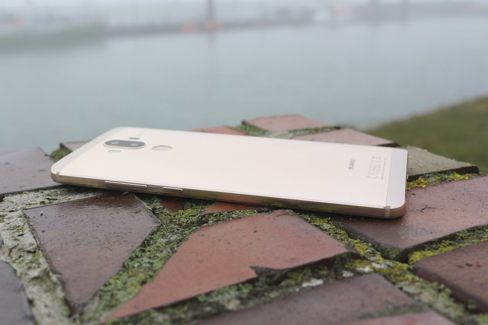 Huawei Mate 9 Test Gehäuse links