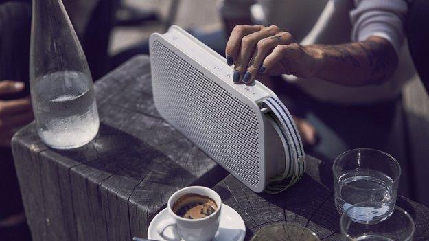 Beoplay A2 Active: Feiner Bluetooth-Lautsprecher für den Außeneinsatz