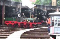 Adler-Lokomotive: Rauchendes...