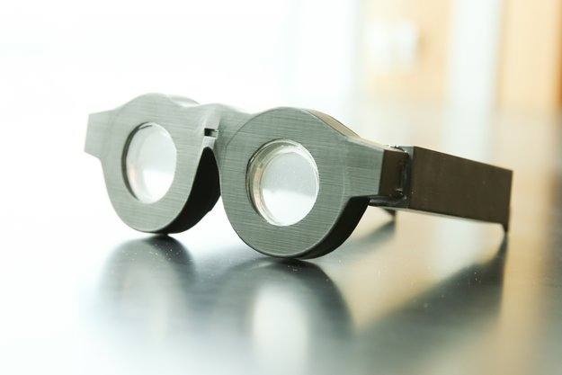 Smarte Brille stellt das scharf, was gerade angeschaut wird