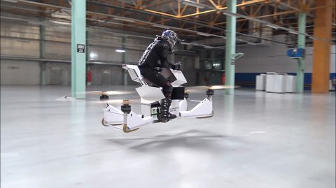 "Der Hoversurf ""Scorpion 3"" ist halb Motorrad und halb Quadcopter"