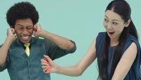 1-2-Switch ermöglicht Frau, mit ihrem blinden Mann zu spielen