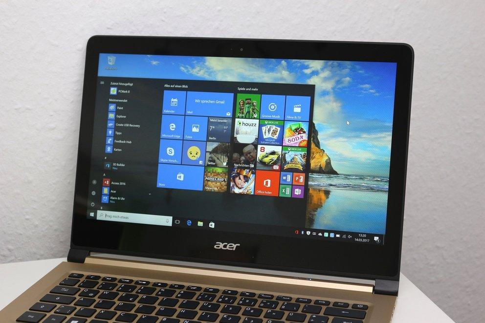 Acer-Swift-7-Test-Display-indoor-q_giga