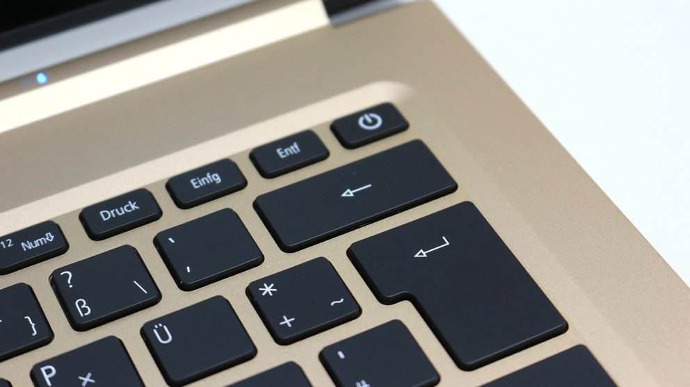 Acer-Swift-7-Test-powerbutton-q_giga