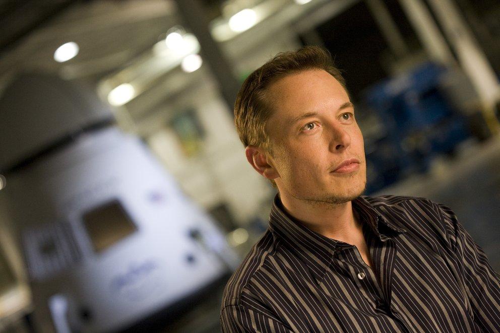Der erstaunliche Grund: Tesla-Chef warnt vor Weltkrieg