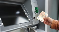 Sparkassen verlangen Gebühren für Abhebungen an Geldautomaten