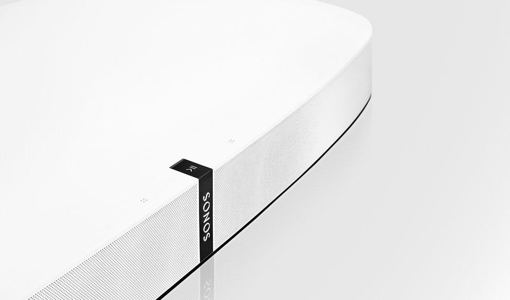 SONOS PLAYBASE: Mittig auf der Oberseite befindet sich ein Touchpanel zur Steuerung (Quelle: Hersteller)