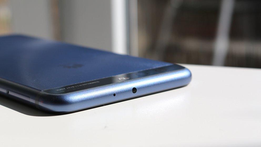 Huawei-P10-Plus-Test-IR-Sensor-q_giga