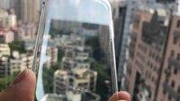 iPhone 8: Schutzhülle zeigt sich ohne Touch-ID-Aussparung auf der Rückseite