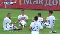 Diese Fußballer feiern ihr Tor mit einer kleinen Gaming-Einlage