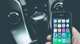Handy am Steuer: Höhere Bußgelder und Fahrverbote