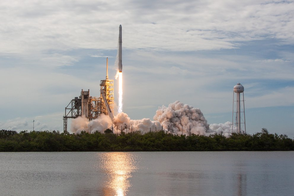 SpaceX,Falcon9,Dragon4