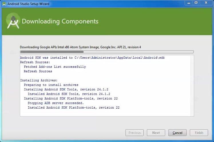 Beim ersten Start lädt Android Studio noch Komponenten und Updates herunter.