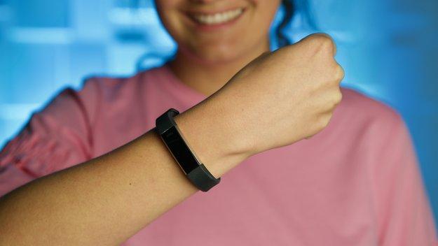 Fitbit Alta HR im Test: Fitnesstracker mit Pulsmessung