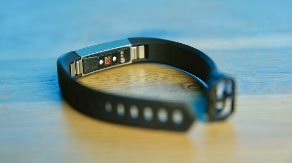 Fitbit Alta HR: Kontinuierliche, automatische Aufzeichnung der Herzfrequenz