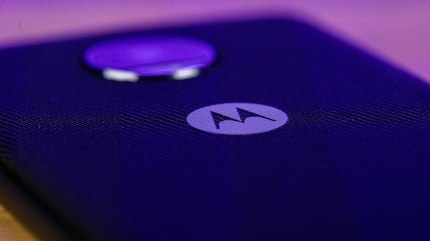 Motorola RAZR: Hersteller zeigt Falt-Handy auf Video – mit einem Haken