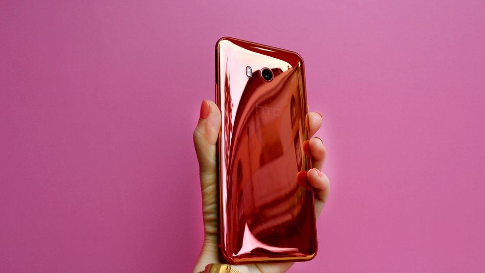 HTC U11 Plus: Randloses Smartphone soll iPhone X Konkurrenz machen