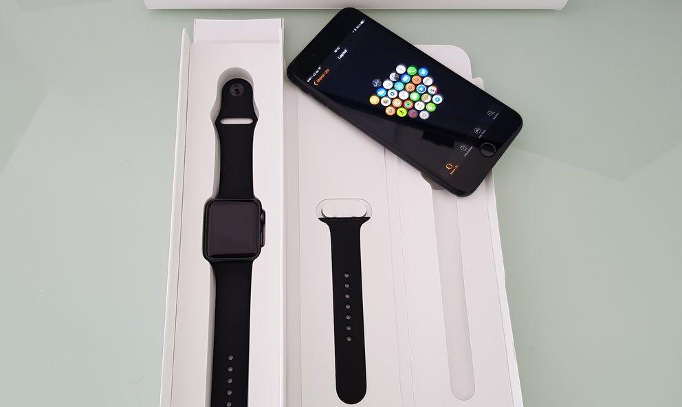 Alles im Karton der Apple Watch war so angebracht, wie man es aus dem Apple Store erwarten würde.