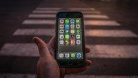 Smartphone-Verbot für Fußgänger: Auch bei uns sinnvoll? [Umfrage]