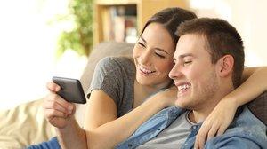 Verrückter Trend: Filme auf dem Smartphone schauen