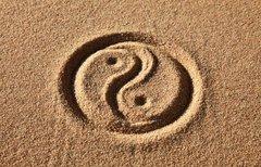 Yin-Yang-Zeichen mit der...
