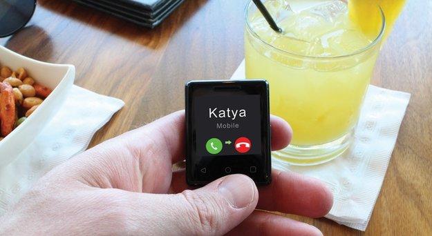Dieses winzige Smartphone kann fast alles – und wiegt nur 30 Gramm