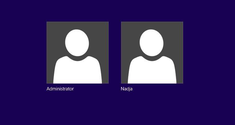 Auch in Windows 8 ist nun das Administratorkonto beim Login auswählbar