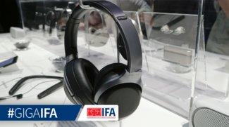 Sony WH-1000XM2: Bluetooth-Kopfhörer sperren Fluglärm aus, aber lassen Durchsagen ans Ohr