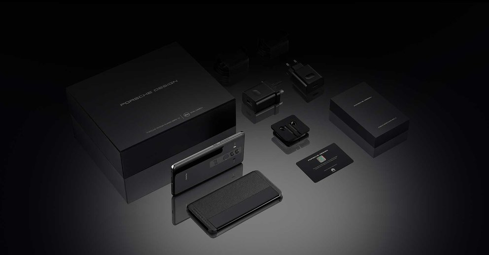 Der Lieferumfang des Porsche Design Huawei Mate 10 (Quelle: Huawei)