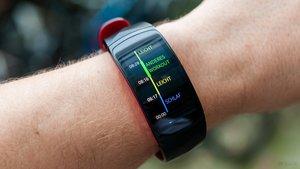 Samsung Gear Fit 2 Pro: Größe S oder L, Armbandlänge, Akkulaufzeit