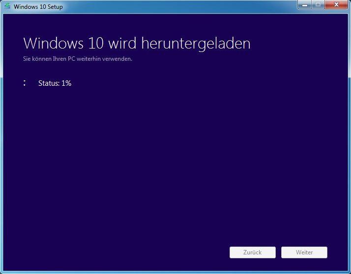Das Media Creation Tool lädt Windows 10 ebenfalls herunter und erstellt daraus einen USB-Stick oder eine DVD.