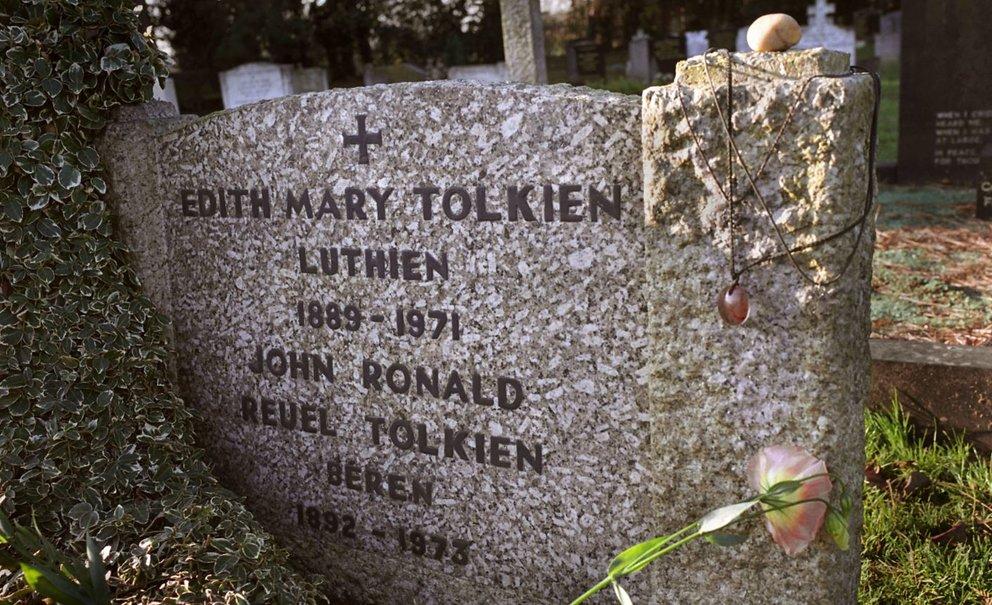 Tolkien Grab