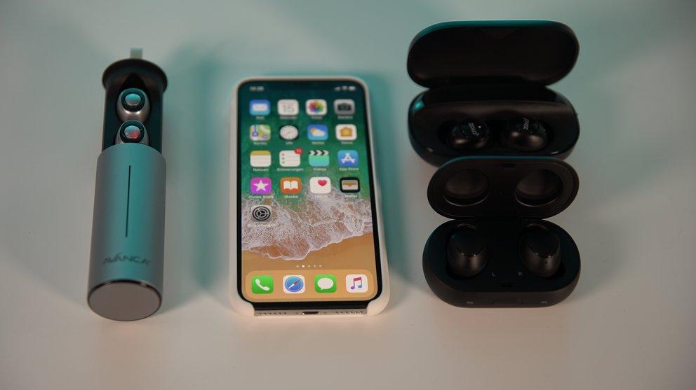 Die Etuis von Avanca (links), Zolo (oben rechts) und Samsung im Vergleich, in der Mitte das iPhone X