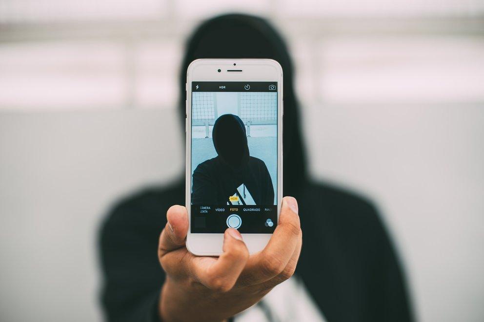 Facebook total irre: Ohne Selfie keine Anmeldung