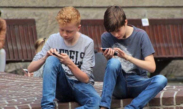 Smartphone-Verbot an Schulen: Frankreich geht vor – sollte Deutschland folgen?