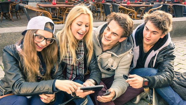 """""""Junge Leute""""-Tarife bei Telekom, Vodafone & o2 im Vergleich: Diese Vorteile habt ihr"""