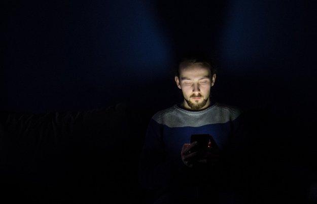 Nachtmodus bei Smartphones: Sinnvoll oder nur eine unnütze Spielerei?