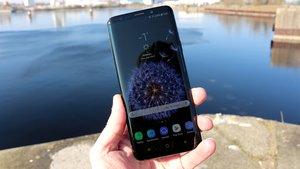 Samsung aktualisiert Smartphones: Erste Galaxy-Handys erhalten neues Android-Update