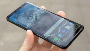 Samsung Galaxy S10 Plus in freier Wildbahn entdeckt: Foto enthüllt Design des Smartphones