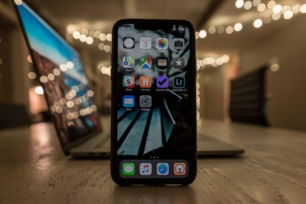 Technik im Job: iPhones und Macs schlagen Android-Smartphones und Windows-PCs