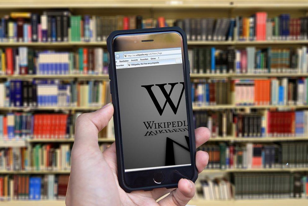 Schwerer Vorwurf durch Wikipedia: Apple und Amazon nutzen uns aus
