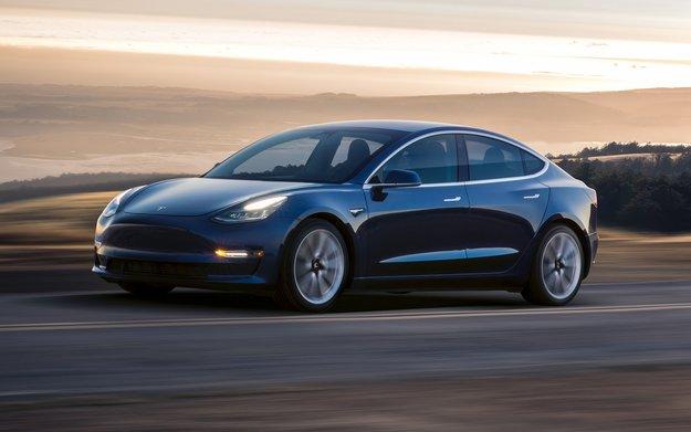 Elon Musk über Tesla Model 3 AWD: Schneller und besser als ein BMW M3