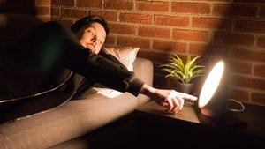 Philips Somneo Wake-up-Light im Test: Gesunder Schlaf dank … Licht?
