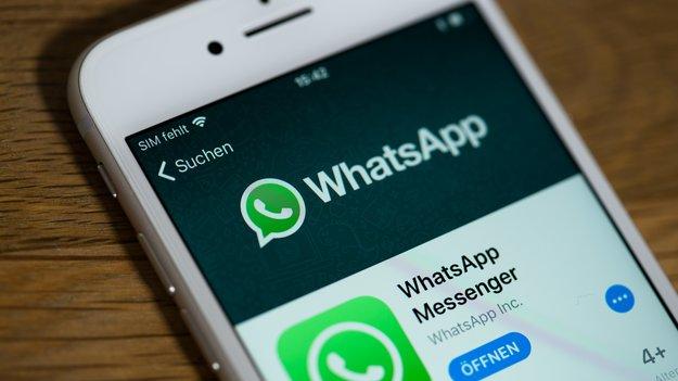 Krankschreibung per WhatsApp legal? Kosten und Funktionen des neuen Service im Überblick