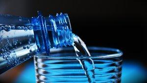 Diese Trink-Apps für Android helfen euch dabei, die richtige Menge Wasser zu trinken
