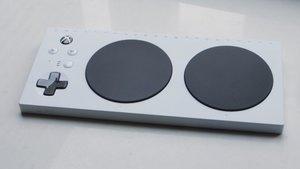 "Xbox Adaptive: Sony macht sich über ""Inklusions""-Controller lustig"