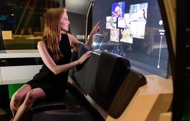 Milliarden-Geschäft: Roboterautos werden uns während der Fahrt mit Werbung unterhalten