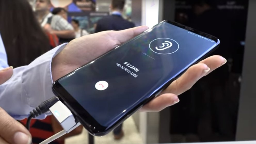 Samsung Galaxy S10: Revolutionäres Smartphone-Display im Video demonstriert
