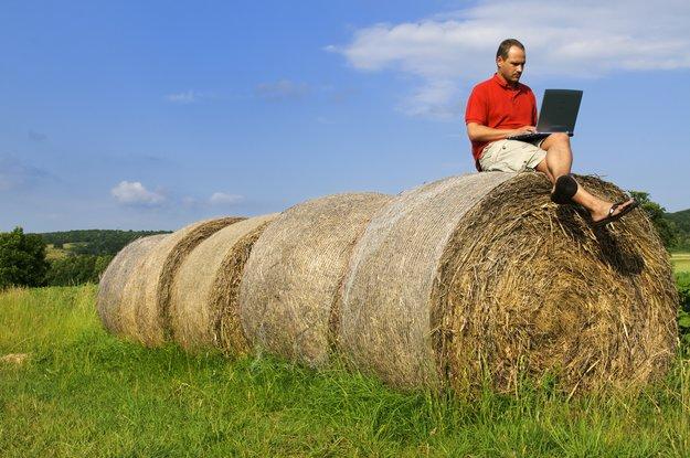 Schnelles Internet auf dem Land: Was tun ohne DSL und Kabelanschluss?