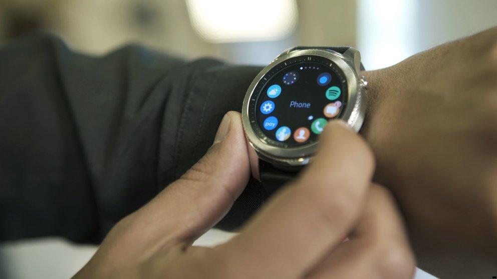 samsung gear s4 neue smartwatch macht wichtigen. Black Bedroom Furniture Sets. Home Design Ideas